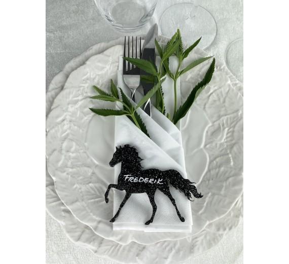 Hest sort glimmer
